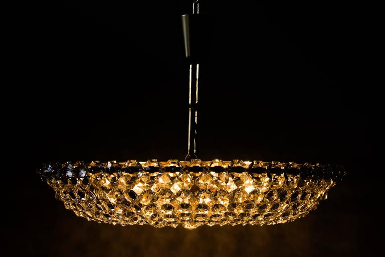Big Chandelier by Bakalowits, circa 1960s For Sale 2