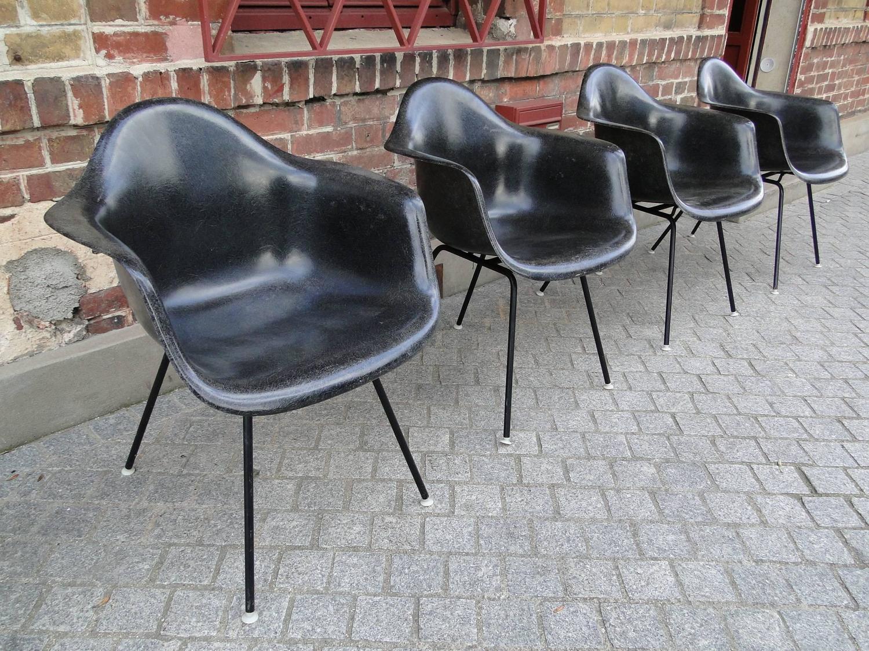 Rare four black fiberglass chairs charles eames for herman miller at 1stdibs - Herman miller france ...