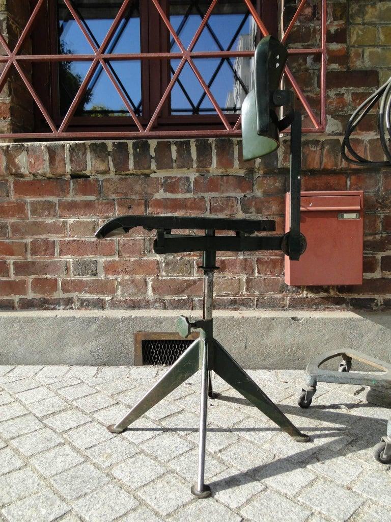 Odelberg olson chaise d 39 atelier mod le work chair - Chaise jean prouve prix ...