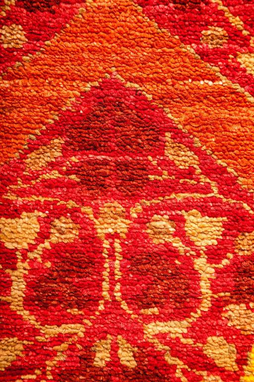 Red arts and crafts area rug solo rugs for sale at 1stdibs for Arts and crafts carpet