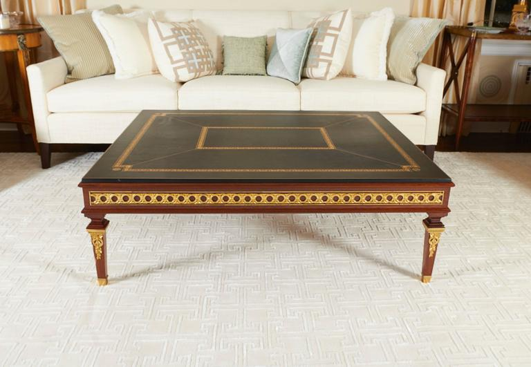 Neoclassical Mahogany Ormolu-Mounted Coffee Table In Excellent Condition For Sale In New York, NY