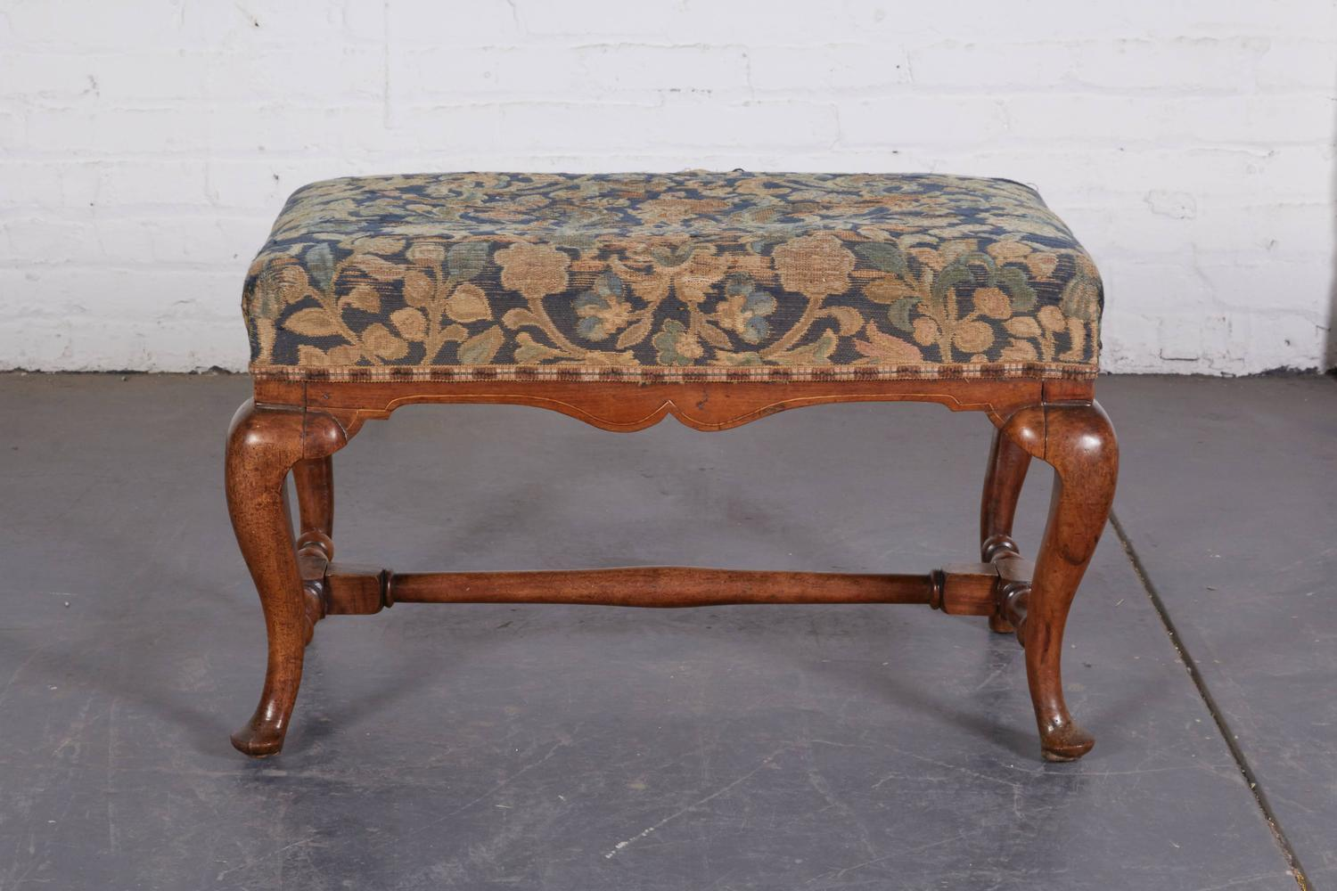 Queen Anne Style Walnut Bench For Sale At 1stdibs