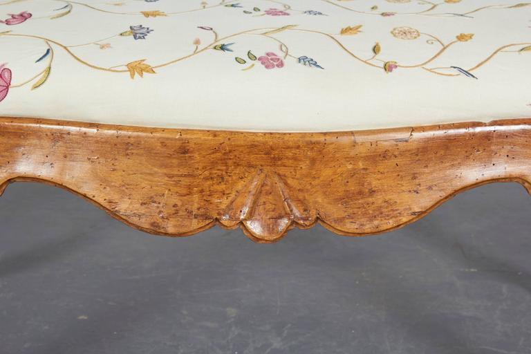 Pair of 19th Century Italian Walnut Serpentine-Front Benches 7
