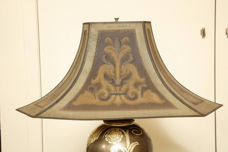 French Art Deco Dinanderie Table Lamp In Good Condition For Sale In New York, NY