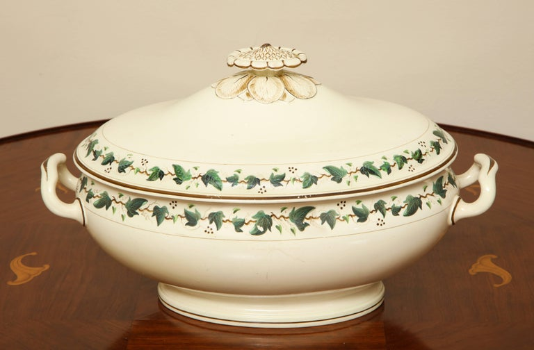 Wedgwood Creamware Covered Tureen with Ivy Decoration For Sale 1