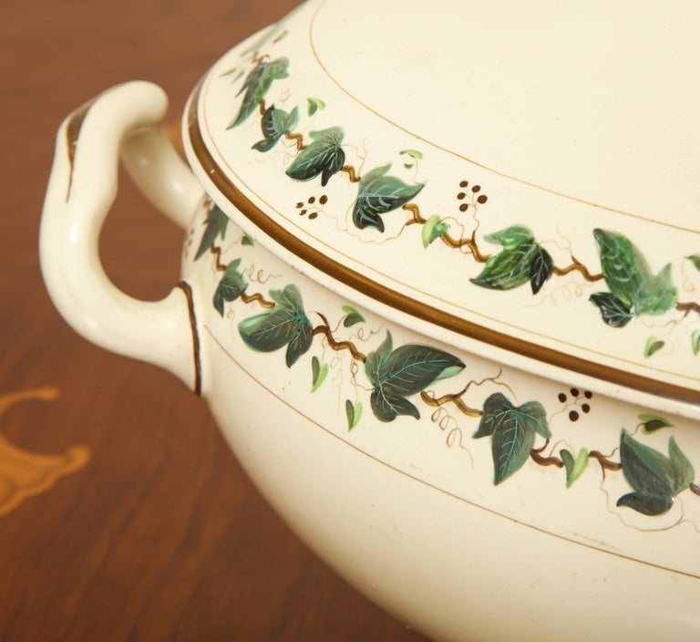 Wedgwood Creamware Covered Tureen with Ivy Decoration For Sale 2