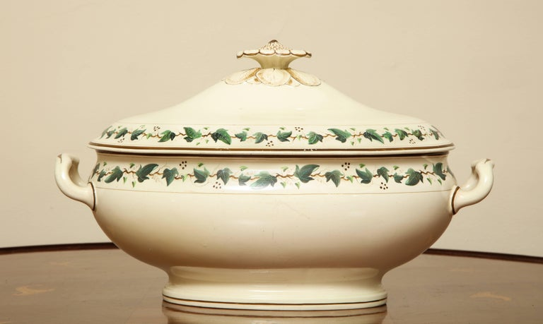 Wedgwood Creamware Covered Tureen with Ivy Decoration For Sale 3