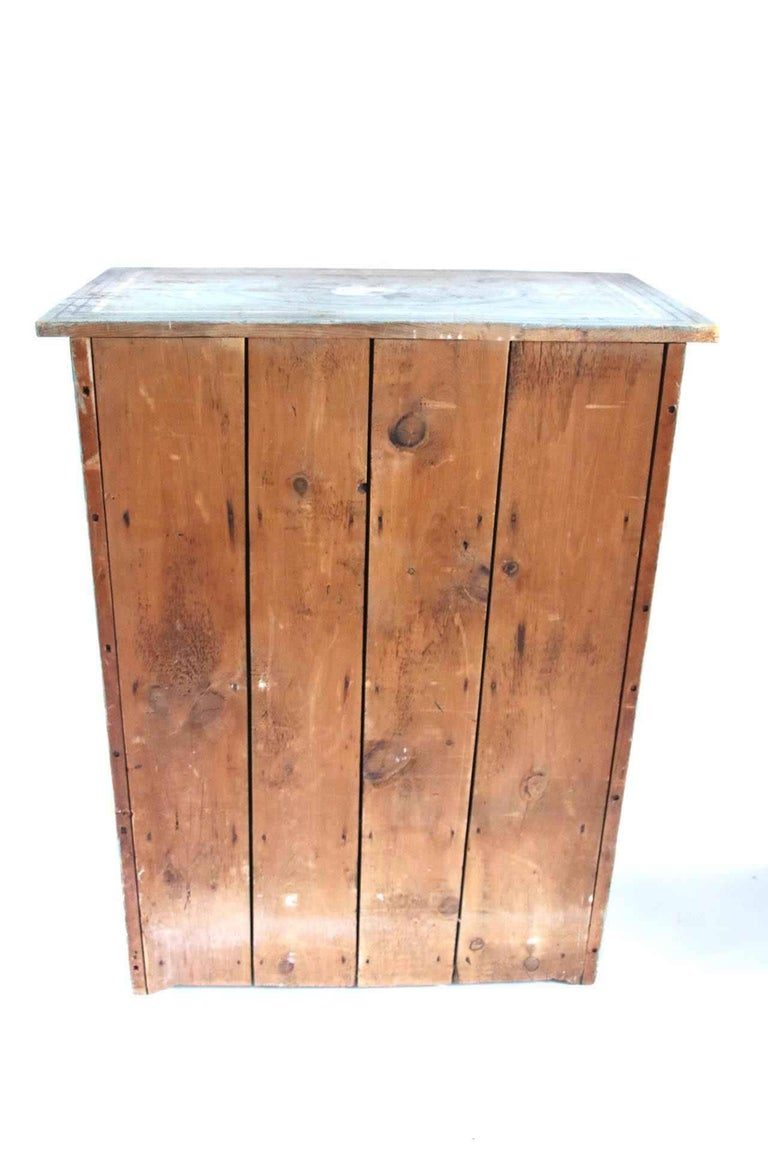 19th Century Massachusetts Pine Cupboard in Original Paint Decoration  For Sale 4