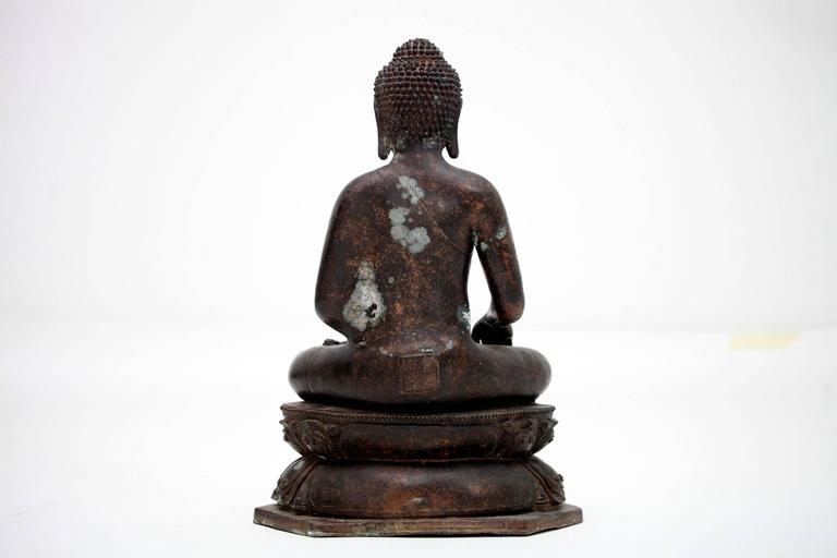 20th Century Bronze Buddha Sculpture In Excellent Condition For Sale In Houston, TX