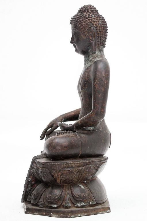 Chinese 20th Century Bronze Buddha Sculpture For Sale