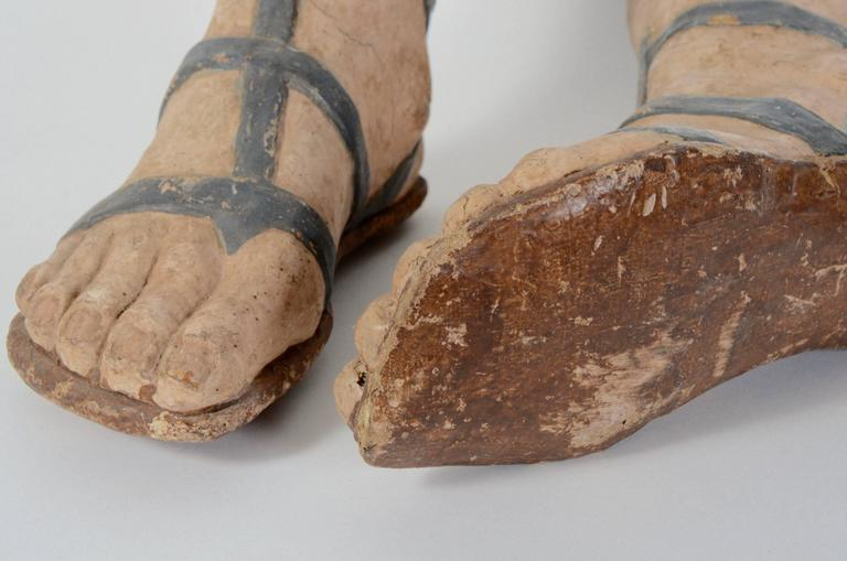 Italian Pair of 18th Century Venetian Paper Mâché Feet with Sandals For Sale