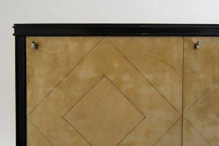Italian Art Deco Lacquered Goatskin Credenza by Vittorio Dassi For Sale 1