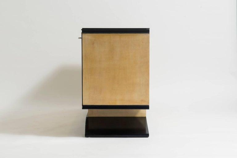 20th Century Italian Art Deco Lacquered Goatskin Credenza by Vittorio Dassi For Sale