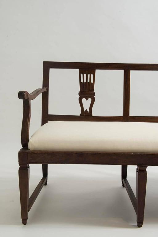 18th Century Italian Neoclassical Walnut Bench 3