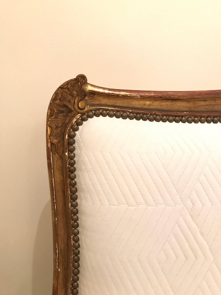 19th Century Louis XV Style Giltwood Canapé 3