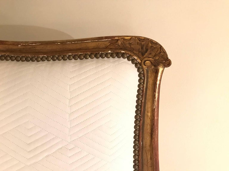 19th Century Louis XV Style Giltwood Canapé In Excellent Condition For Sale In Houston, TX