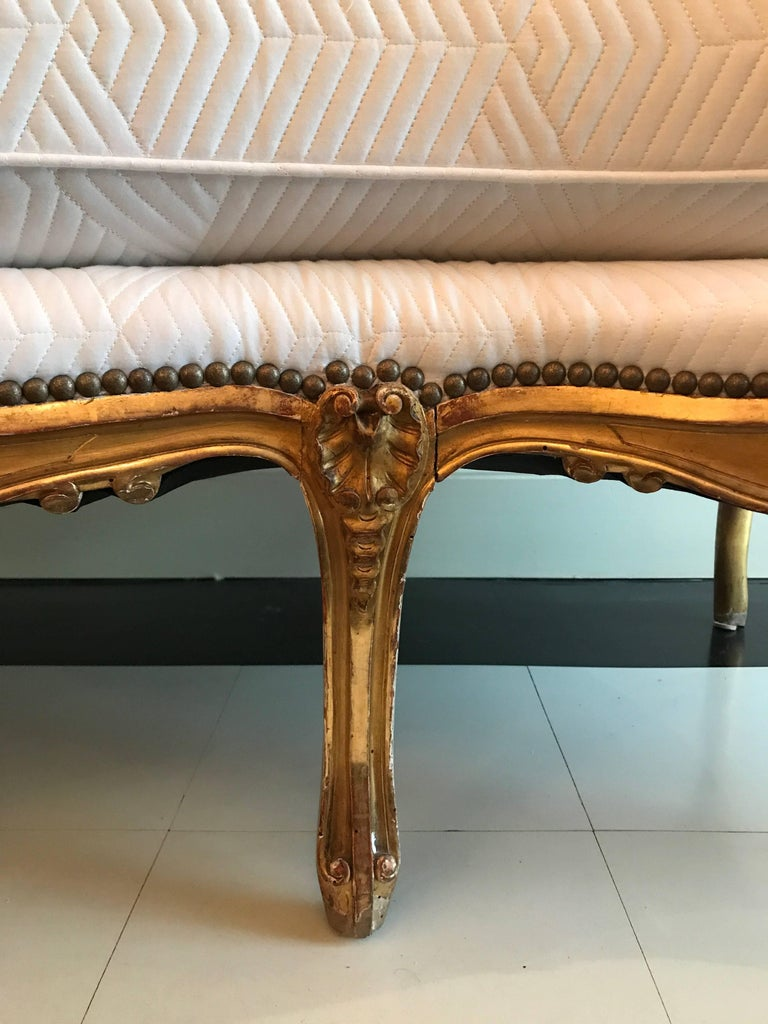 19th Century Louis XV Style Giltwood Canapé 8