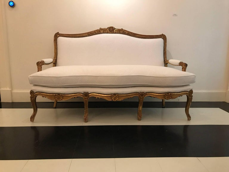 19th Century Louis XV Style Giltwood Canapé For Sale 2