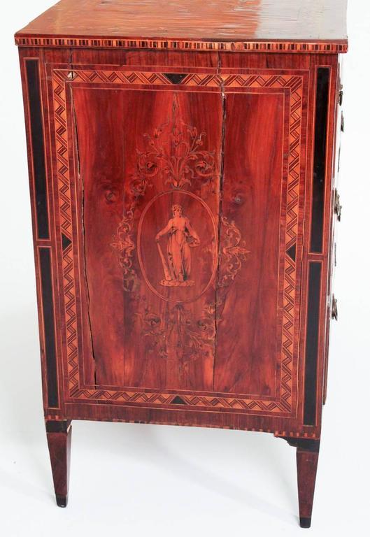 Magnificent 18th Century Maggiolini Commode In Good Condition In Dallas, TX