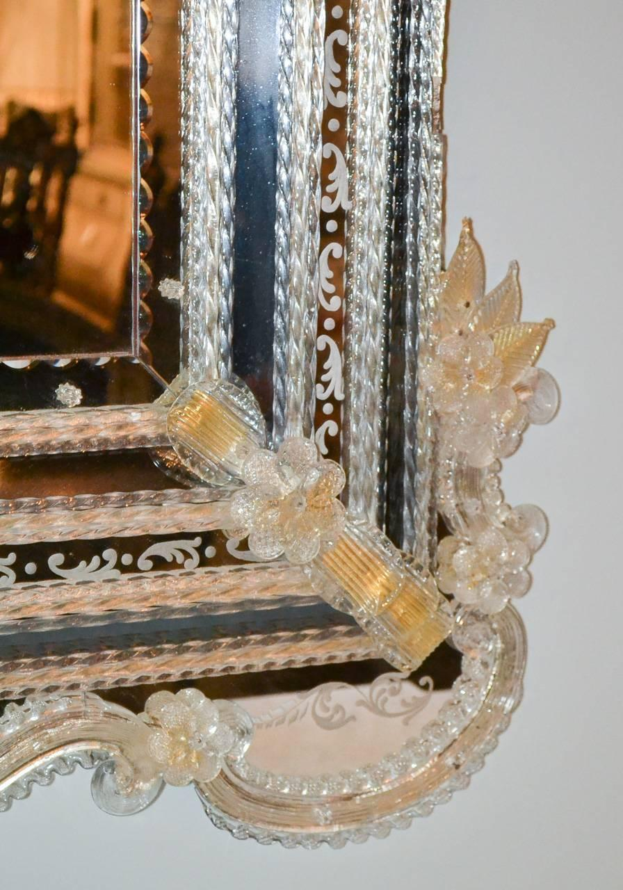 beautiful venetian etched glass mirror for sale at 1stdibs. Black Bedroom Furniture Sets. Home Design Ideas
