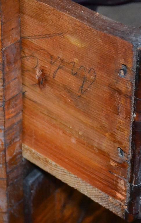 18th Century Italian Burl Walnut Commode For Sale 4