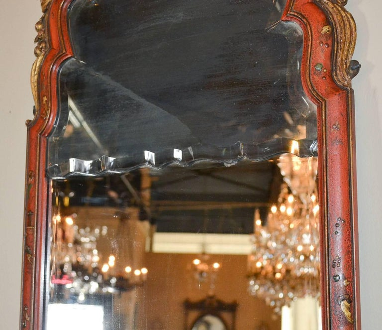 18th Century English Queen Anne Chinoiserie Mirror For Sale 1