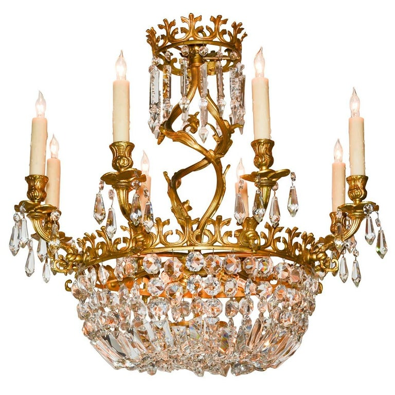 Early 20th Century French Rococo Bronze and Crystal Chandelier For Sale