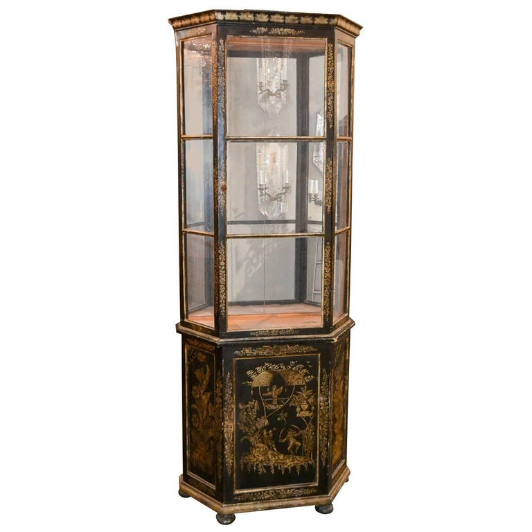 Early 20th Century English Chinoiserie Decorated Display Cabinet