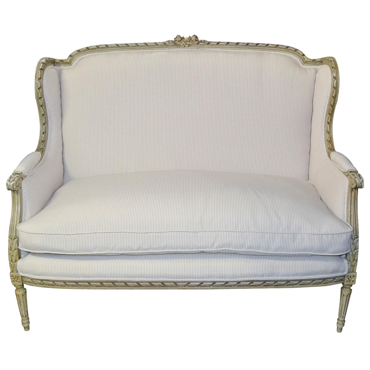 Merveilleux 19th Century French Louis XVI Settee Or Sofa For Sale