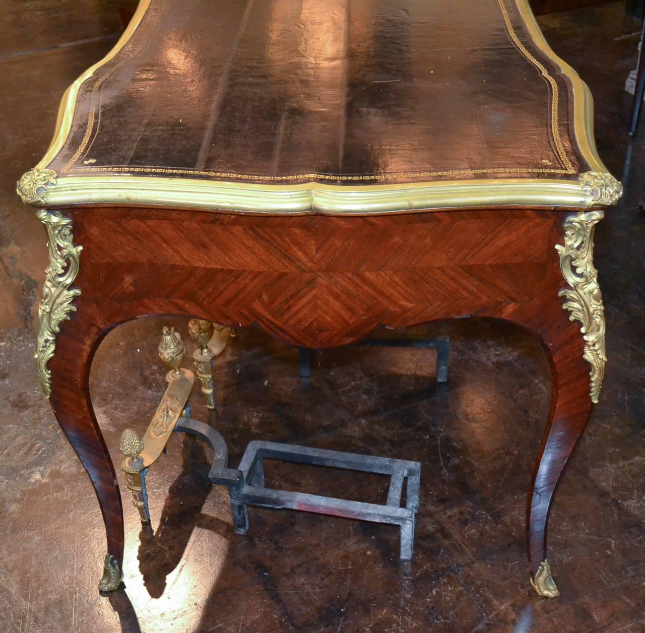 French louis xv bureau plat for sale at 1stdibs for Bureau louis xv