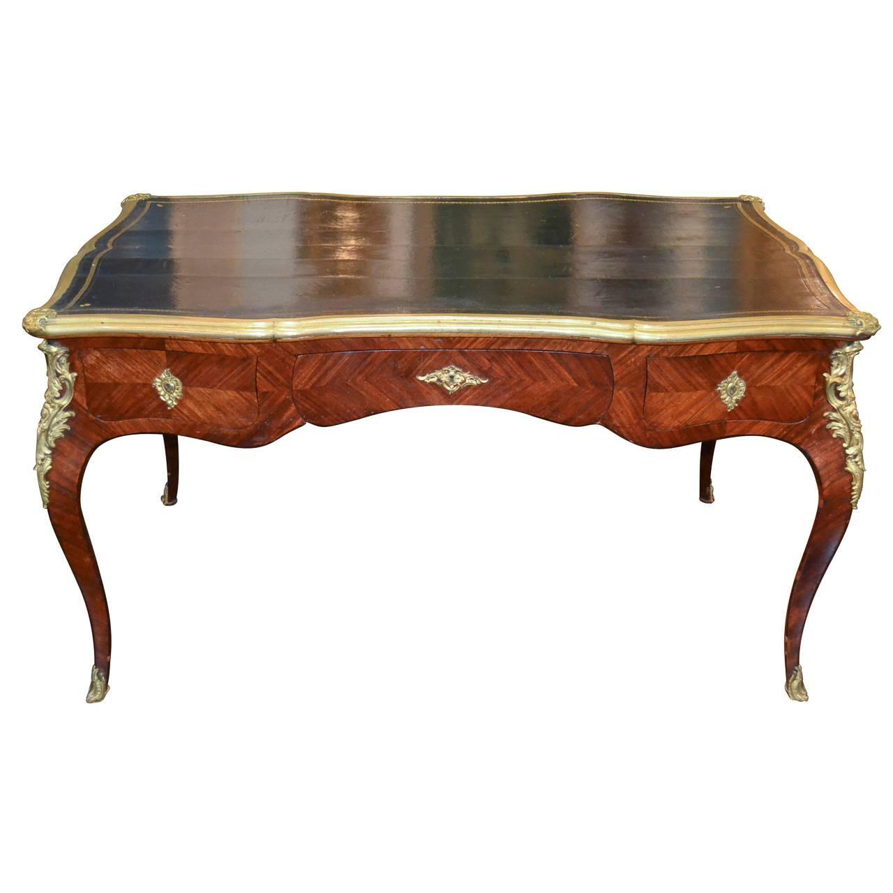 french louis xv bureau plat for sale at 1stdibs. Black Bedroom Furniture Sets. Home Design Ideas