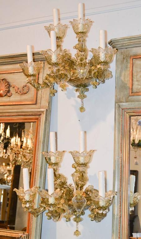 Impressive Pair of Blown Glass Venetian Sconces For Sale 3