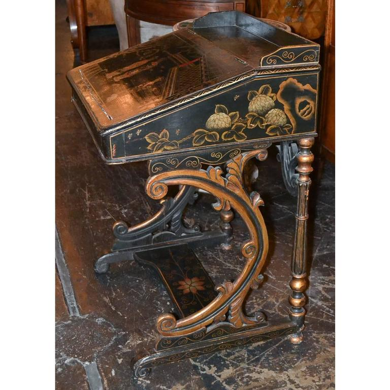 Lacquered Nice 19th Century English Chinoiserie Davenport Desk For Sale