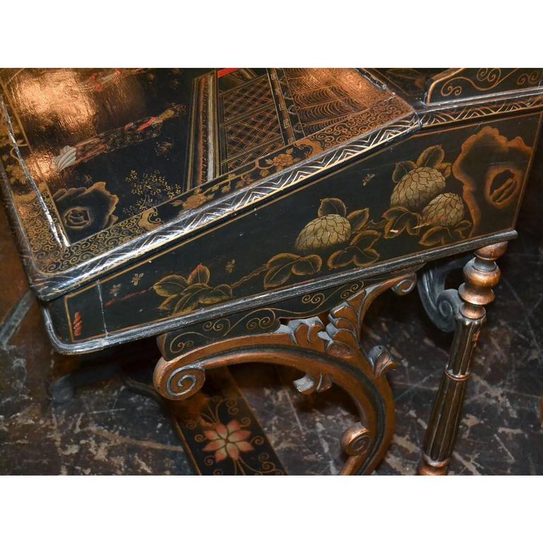 Wood Nice 19th Century English Chinoiserie Davenport Desk For Sale