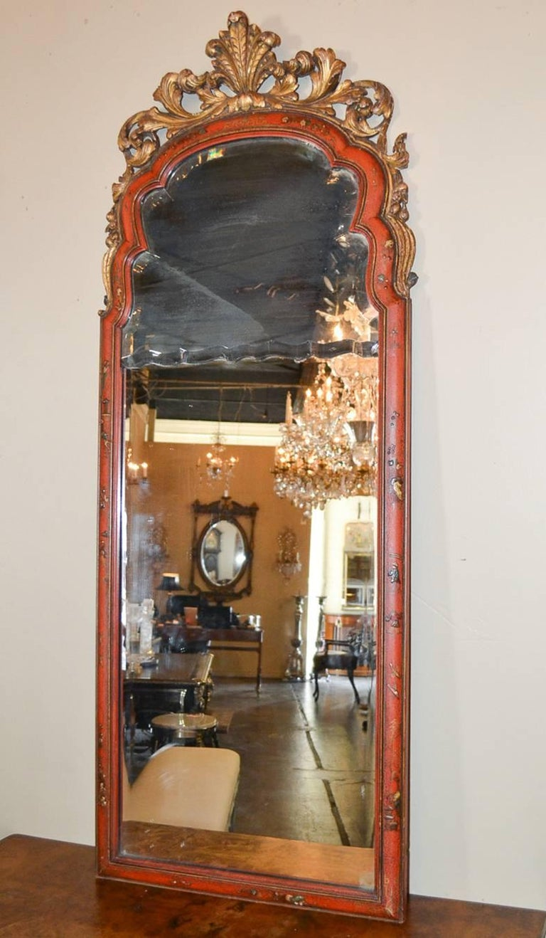 18th Century English Queen Anne Chinoiserie Mirror For Sale 3