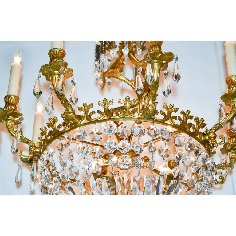 Early 20th Century French Rococo Bronze and Crystal Chandelier For Sale 2