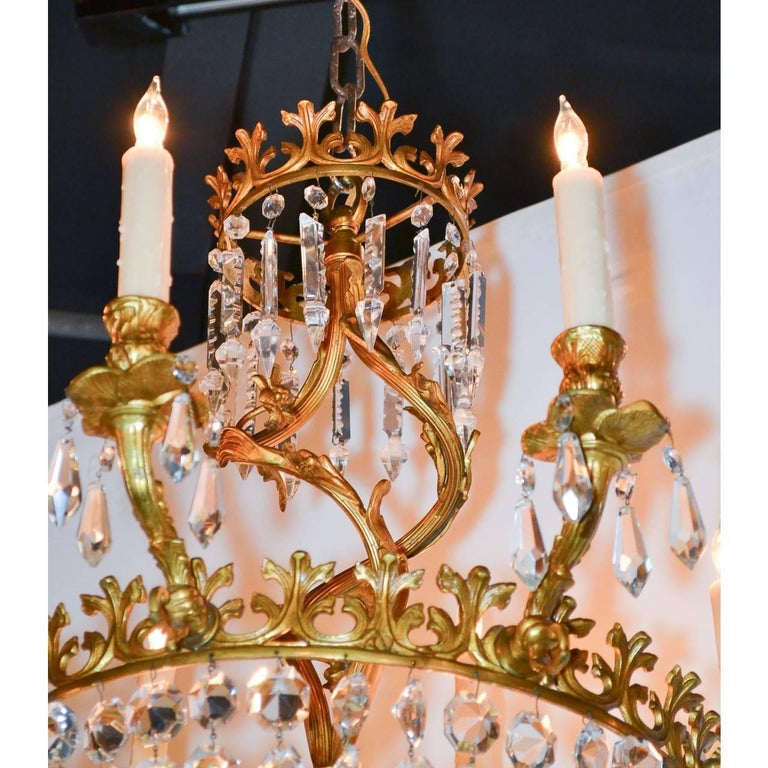 Early 20th Century French Rococo Bronze and Crystal Chandelier For Sale 3