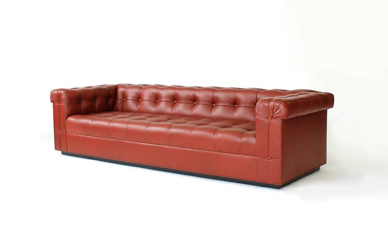Custom chesterfield sofa for sale at 1stdibs for Sofa 75 cm tief