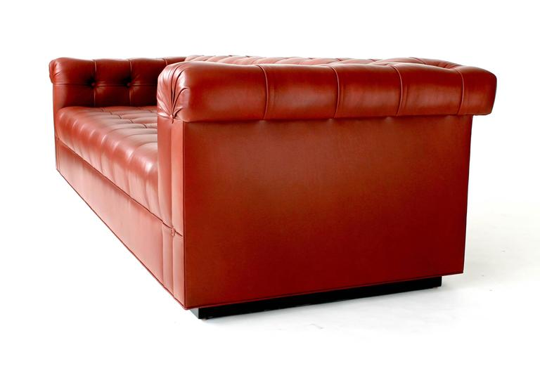 Custom Chesterfield Sofa In Excellent Condition For Sale In Chicago, IL