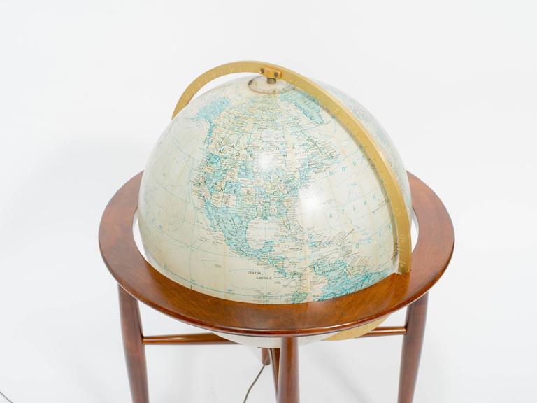 Replogle Illuminated Globe on Stand 1