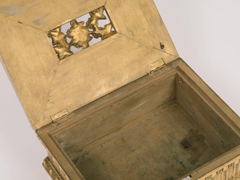 1920s Giltwood and Gesso Box For Sale 4