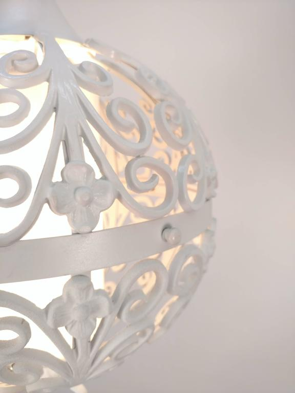 White Round Ornate Chandelier Pendant In Excellent Condition For Sale In Tarrytown, NY