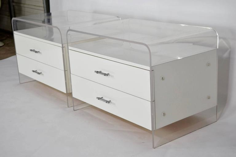 pair of white lucite and laminate nightstands at 1stdibs. Black Bedroom Furniture Sets. Home Design Ideas