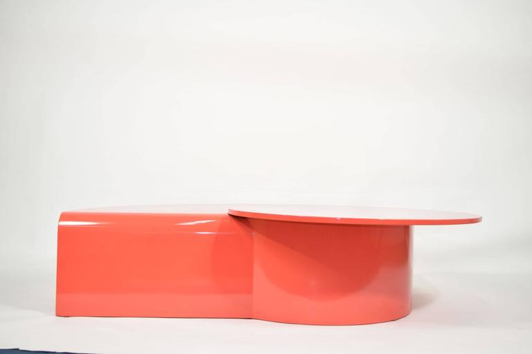 Modern Fabulous Statement Coffee Table in Red/Orange Lacquer For Sale