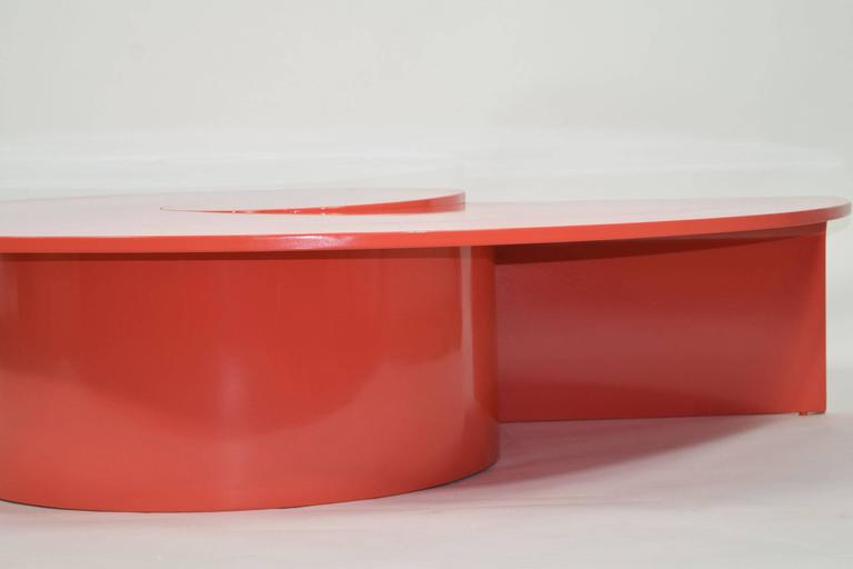 Fabulous Statement Coffee Table in Red/Orange Lacquer For Sale 2