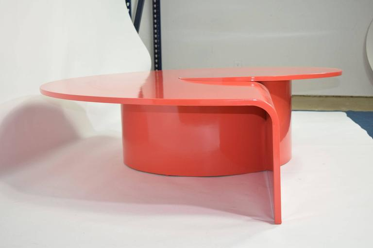 20th Century Fabulous Statement Coffee Table in Red/Orange Lacquer For Sale