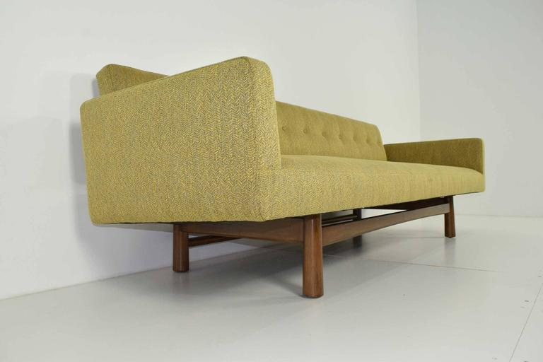Gorgeous Gondola Bracket Back Sofa by Edward Wormley for Dunbar 5