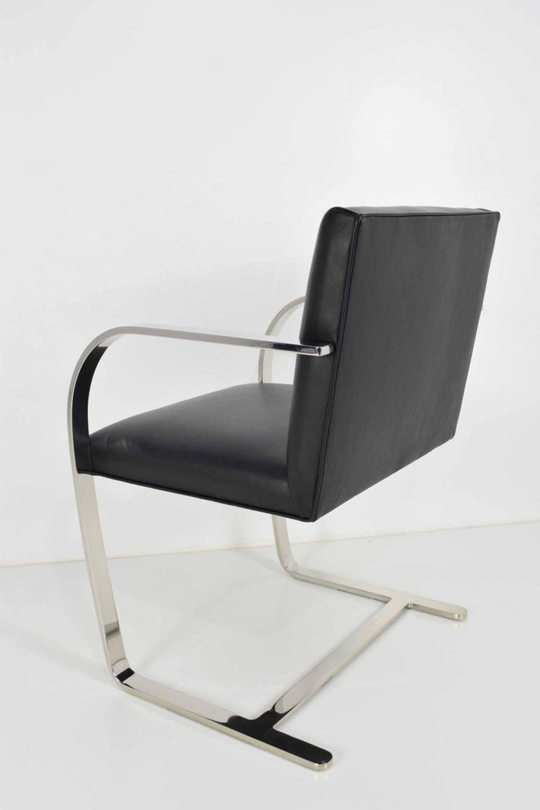 Flat Bar Brno Chairs by Mies van der Rohe for Knoll In Excellent Condition For Sale In Dallas, TX