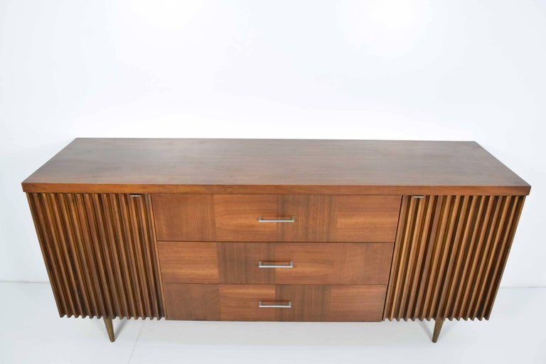 Walnut Sideboard In Good Condition For Sale In Dallas, TX