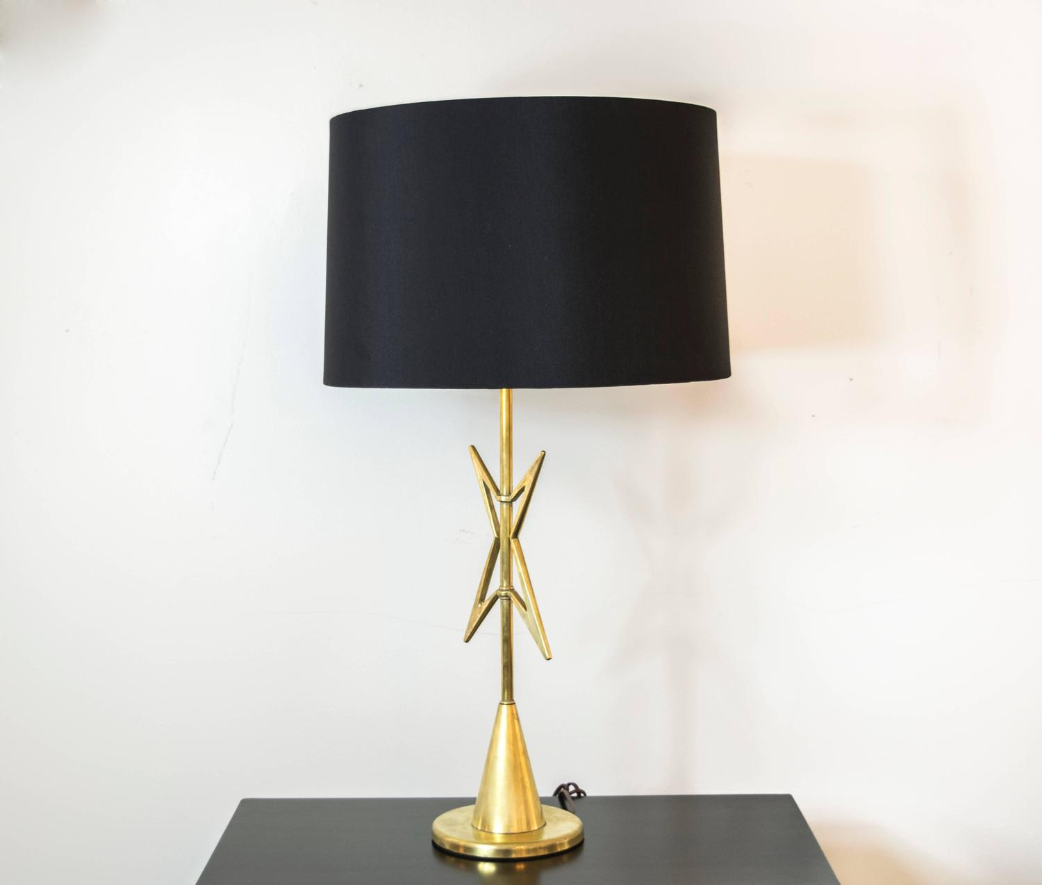 mid century modern atomic brass table lamp for sale at 1stdibs. Black Bedroom Furniture Sets. Home Design Ideas